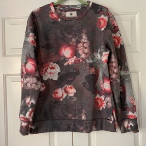 On the Byas Gray Floral/Fruit Sweatshirt Sz Med
